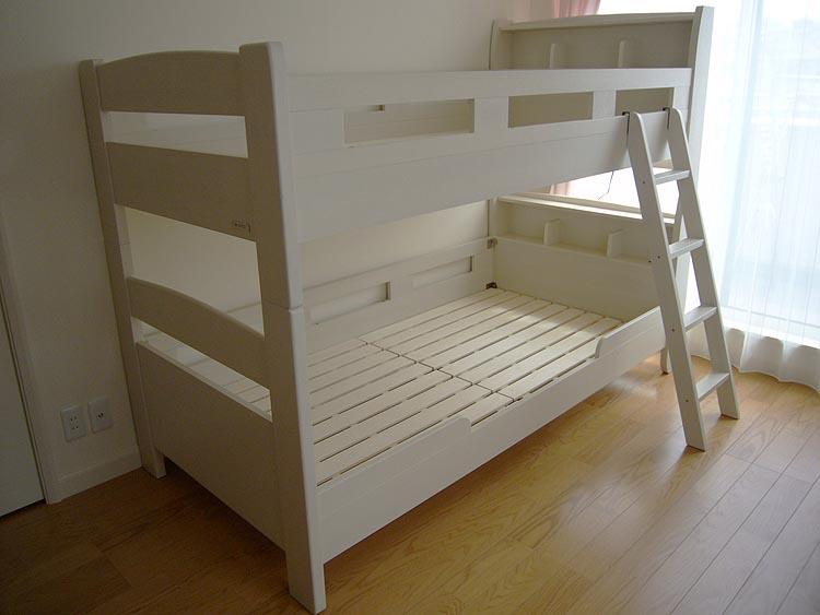 大人気二段ベッド「フリート」に宮(棚)付き二段ベッドが新発売しました。